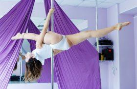 Rzuciła drogie studia i zajęła się striptizem. Nie żałuje!